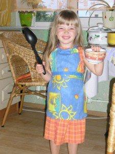 девочка, кухня