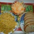 квашеная капуста, ржаной хлеб, макароны